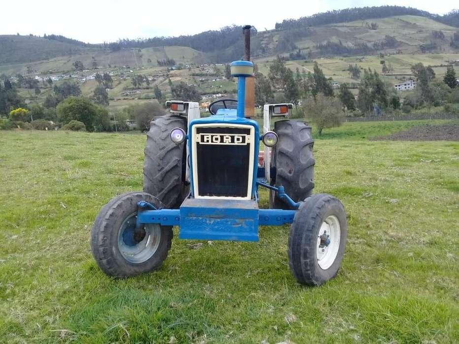 VENDO TRACTOR FORD 4000