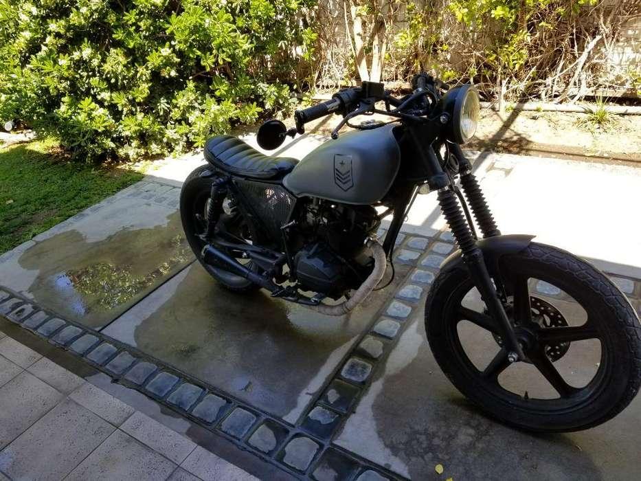 Moto <strong>honda</strong> Cafe Racer 125