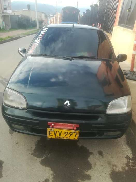 Renault Clio  1997 - 2400000 km