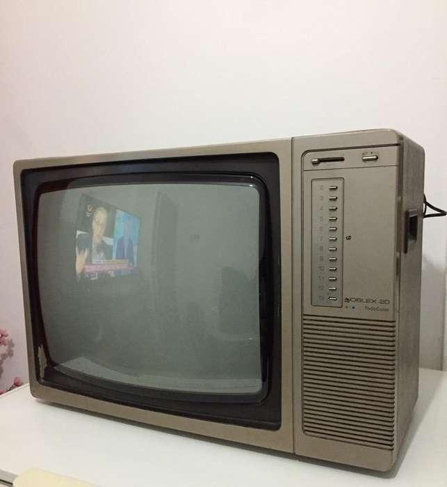 <strong>televisor</strong> Antiguo