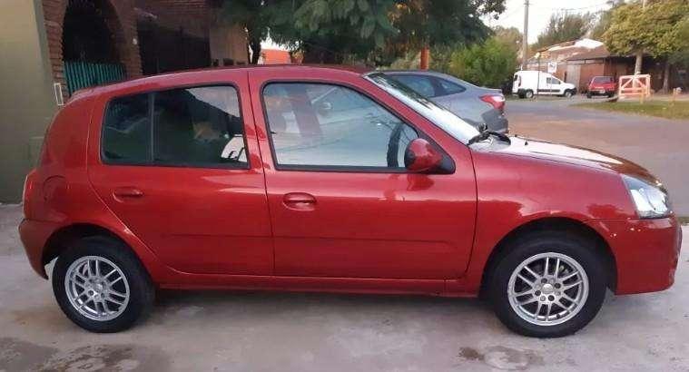 Renault Clio Mío 2015 - 82000 km
