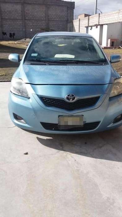 Toyota Yaris 2012 - 90000 km
