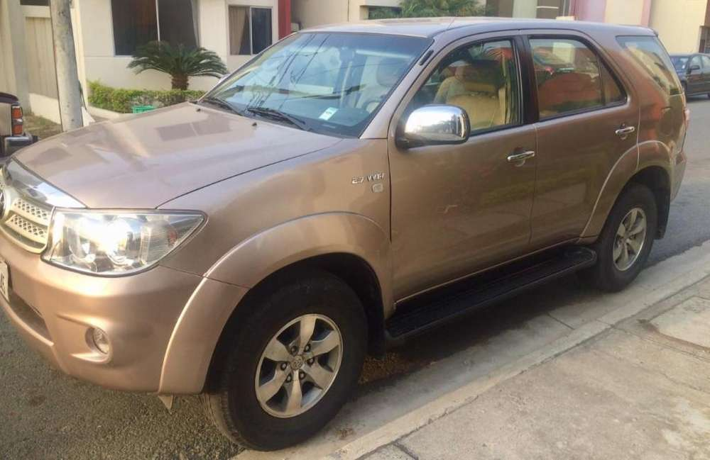 Toyota Fortuner 2011 - 116000 km