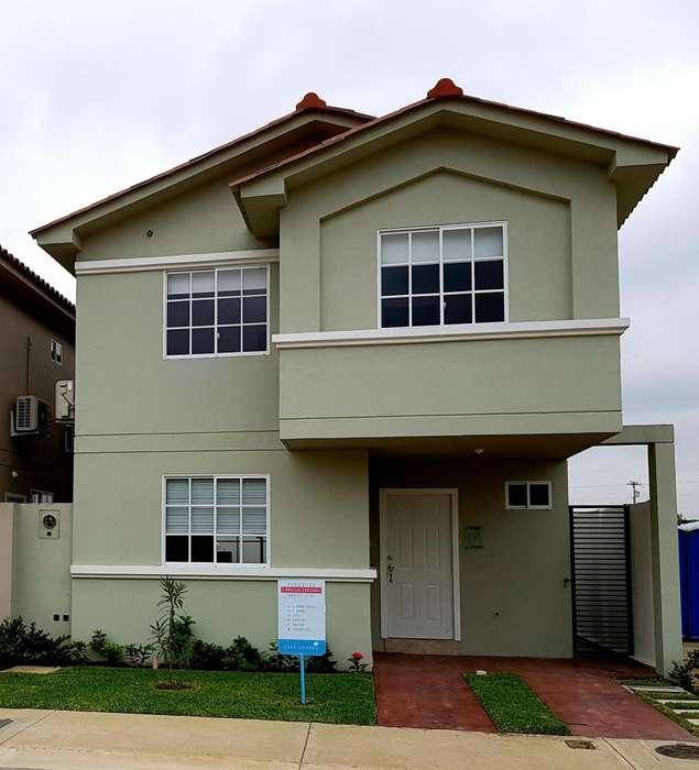 Venta de Casa en Urb. Casa Laguna con acabados de lujo a pocos minutos de <strong>ciudad</strong> Dorado.
