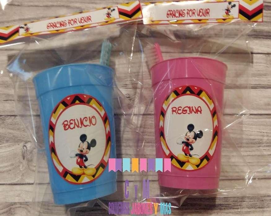 Souvenir Vaso plástico personalizado con cepillo dental infantil