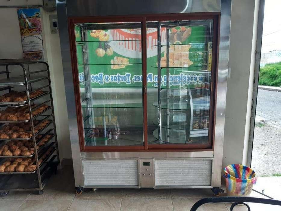 Se Vende Panadería Sector Cochapamba.