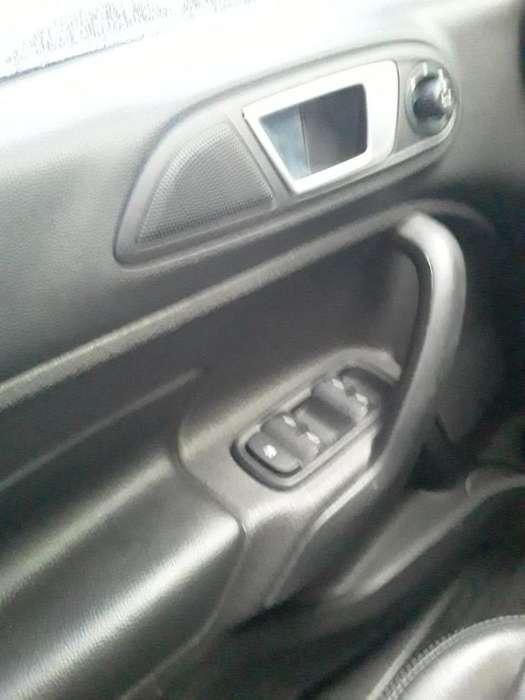 Ford Fiesta Kinetic 2014 - 70000 km