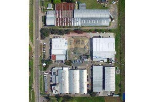 Alquiler - Galpón en Parque Industrial Pilar