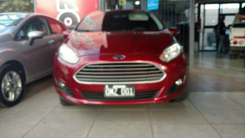 Ford Fiesta  2014 - 100000 km