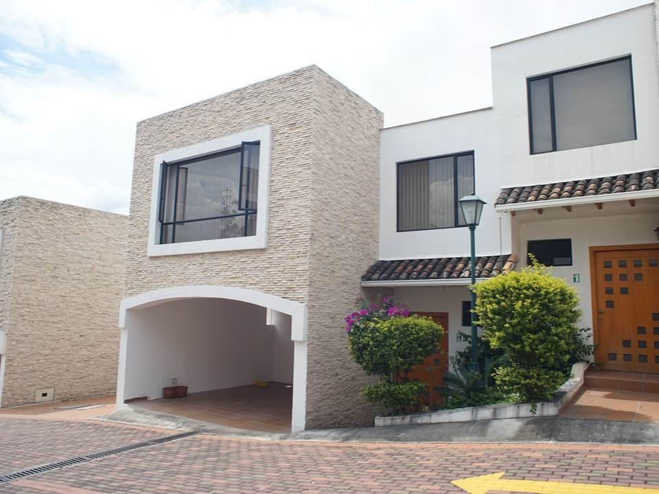 Casa en Tumbaco Av. Intervalles