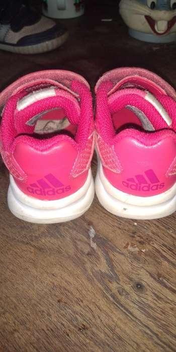 Zapatillas Nene 20 Usadas en Muy Buen Es