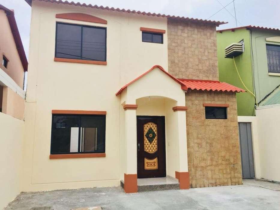 Se alquila casa en Villa Club 2 plantas 4 dormitorios