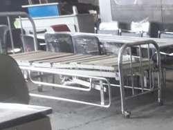 Cama hospitalaria usada en buen estado