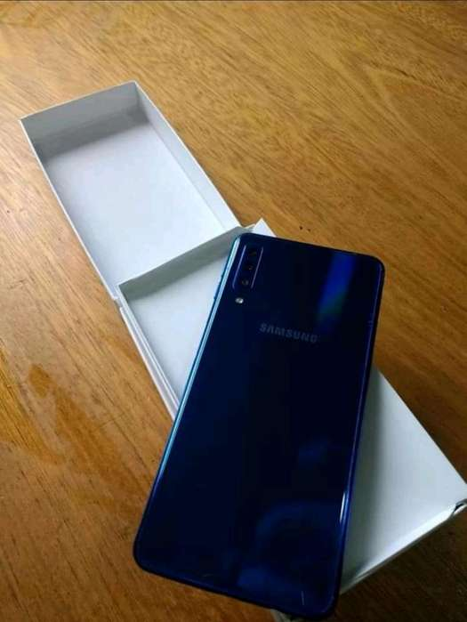 Samsung A7 2018 Vendo O Permuto