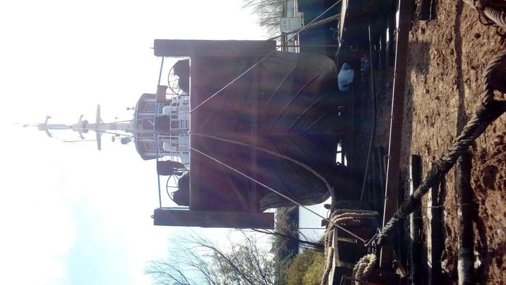 Barco de trabajo remolcador