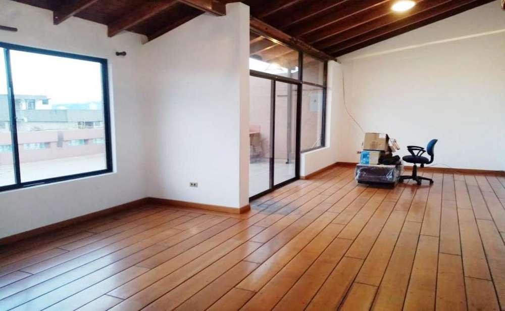 Rumipamba, departamento, 228 m2, alquiler, duplex, 4 habitaciones, 3 baños, 3 parqueaderos
