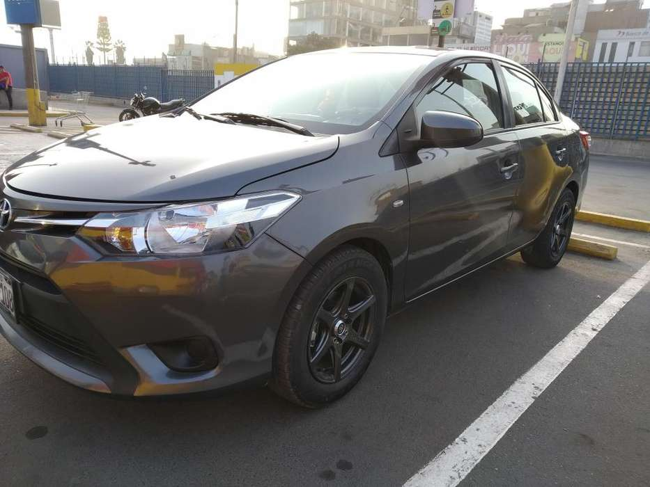 Toyota Yaris 2015 - 45000 km