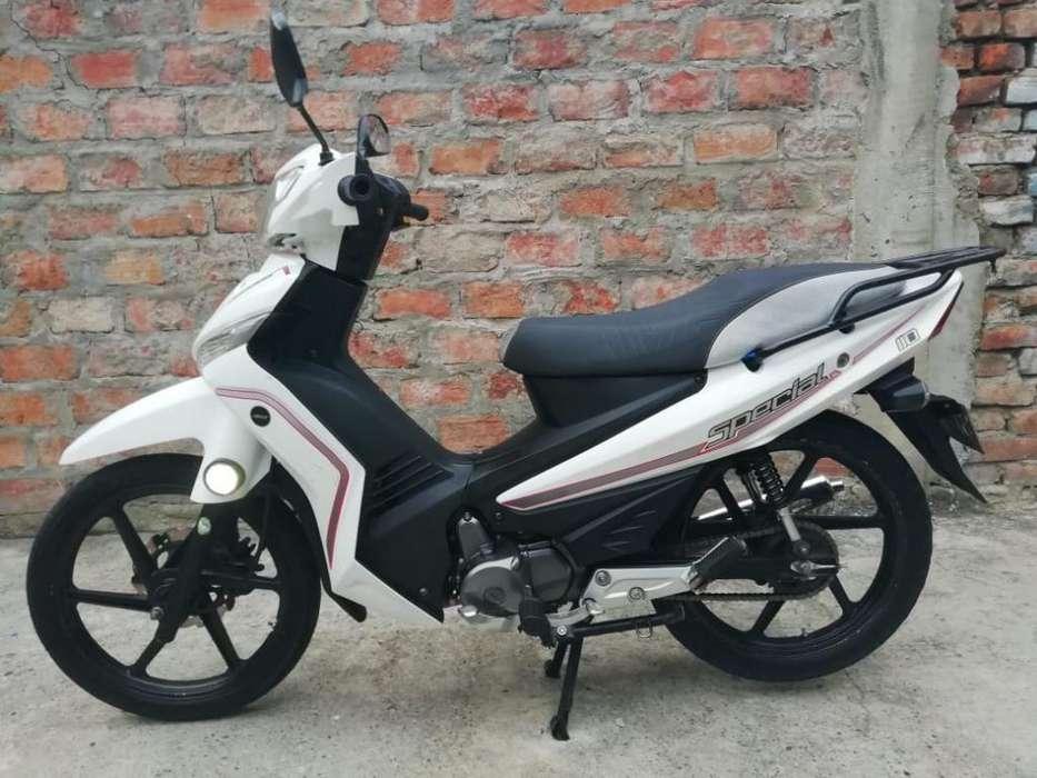 Vendo Moto Akt Special 100