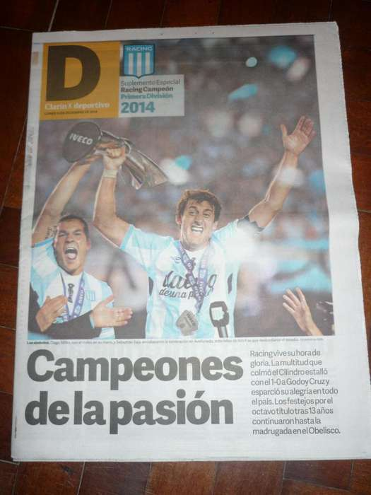 SUPLE DEPORTIVO DIARIO CLARIN RACING CLUB CAMPEON 2014 MILITO