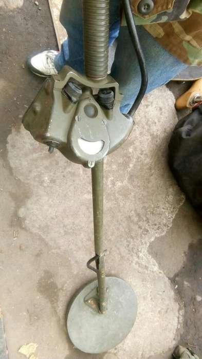 Antiguo Detector de Metales Tipo Militar