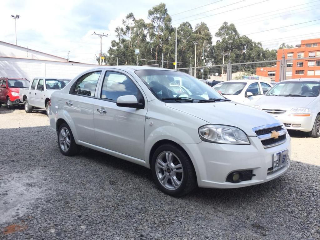 CHEVROLET AVEO EMOTION 1.6 GLS AÑO 2011