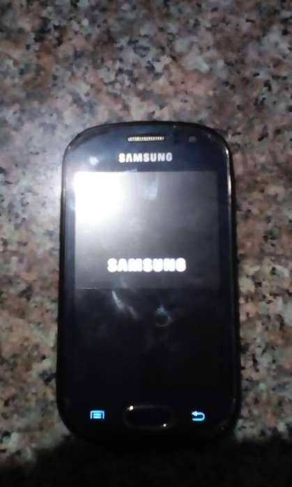 Celular Samsung Femme Usado