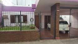 Vendo casa en Villa Constitución, 2 dormitorios, quincho y garage amplio.