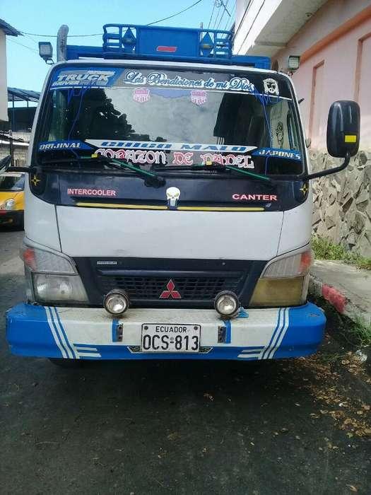 Camion Mini Canter Mitsubishi