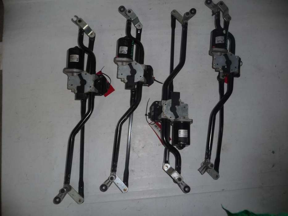 Motor Limpiaparabrisas Con Varillajes Completo Amarok Orig