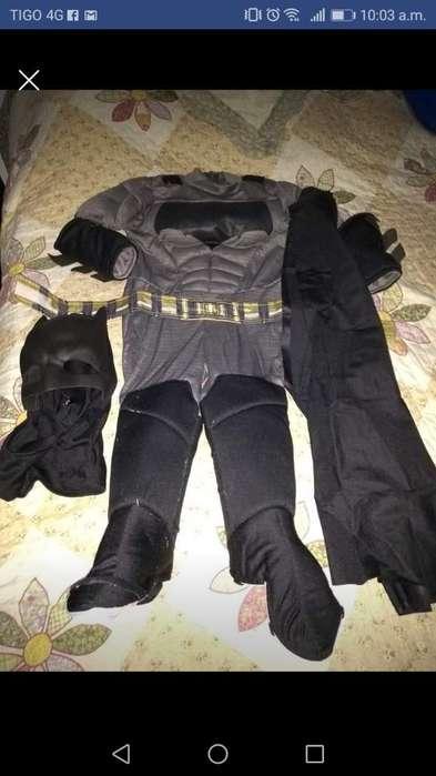 Se Vende Disfraz de Batman Una Postura