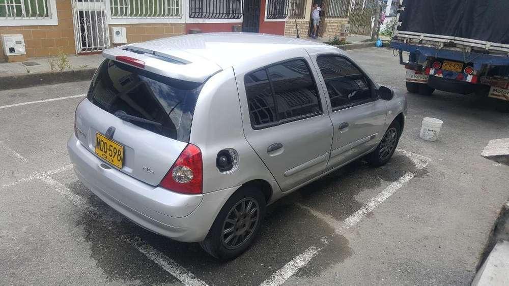 Renault Clio  2010 - 133000 km