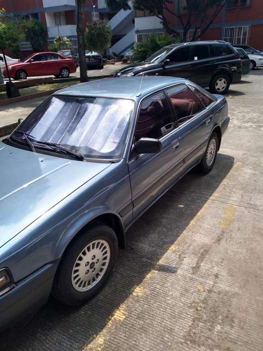 Mazda 626 1991 - 305000 km