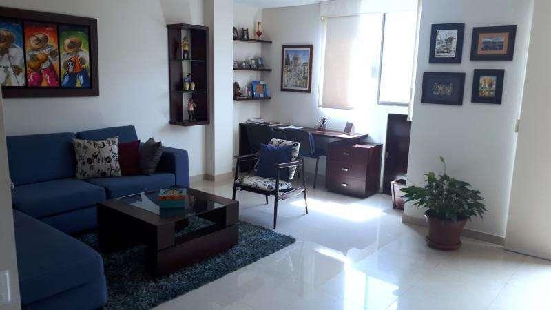 Casa En Venta En Cali Ciudad Jardín Cod. VBSUM461208