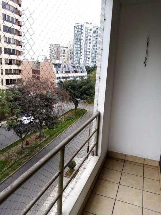 Moderno apartamento en Barrio Médico, Surquillo.