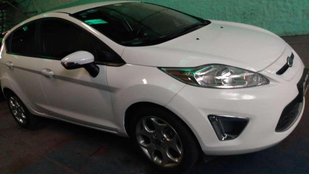 Ford Fiesta Kinetic 2013 - 80000 km