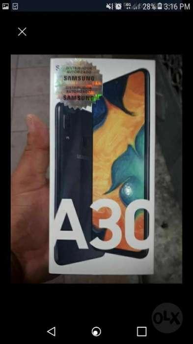 Vendo Samsung A30 de 64 Gigas Y 4 de Ram