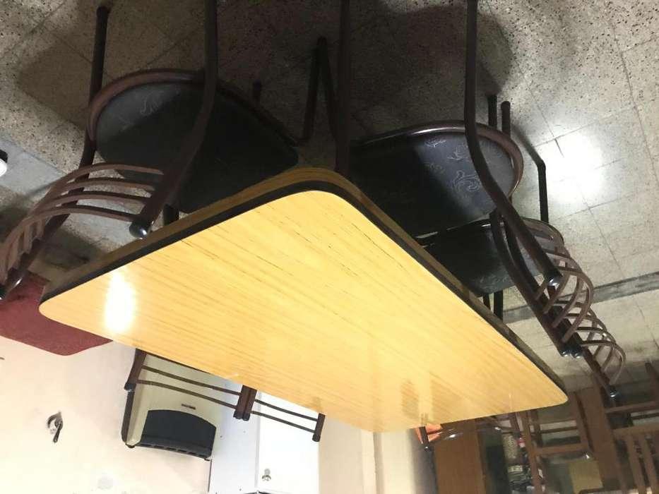 <strong>mesa</strong> con 6 sillas muy Buen estado