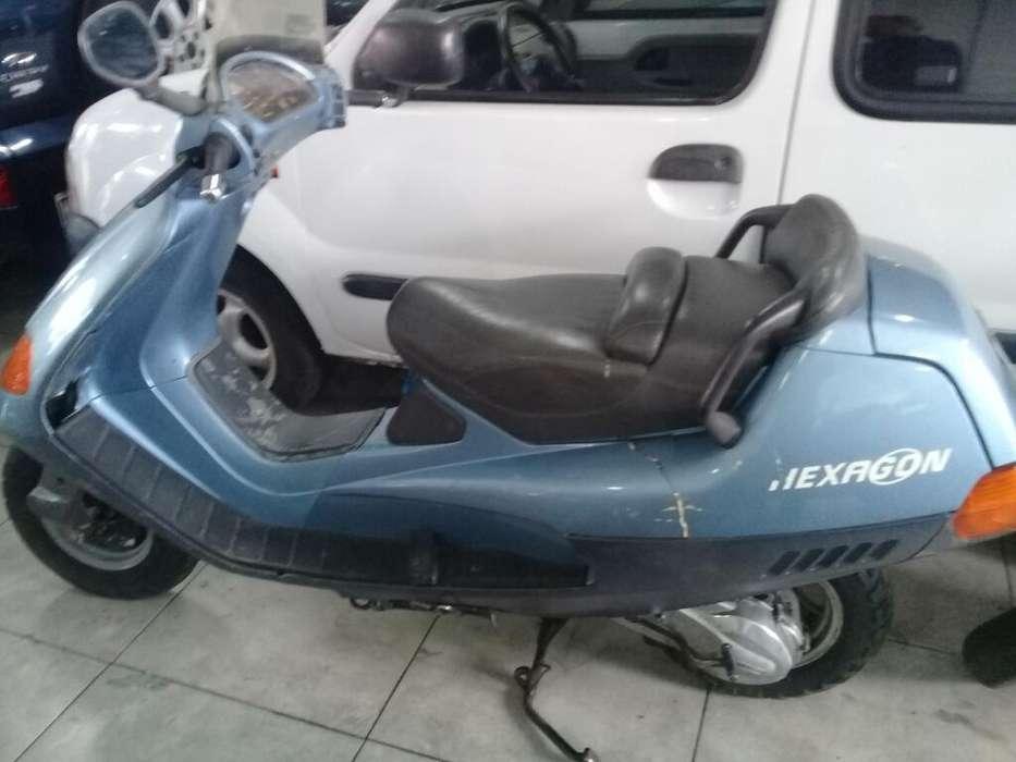 Moto Scotter 150. <strong>piaggio</strong> Hexagon Bespa