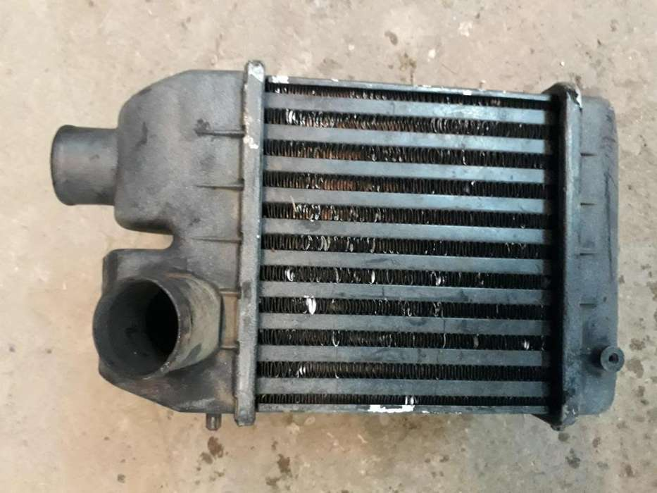 Radiador Intercooler <strong>jeep</strong> 2.1 en perfecto estado
