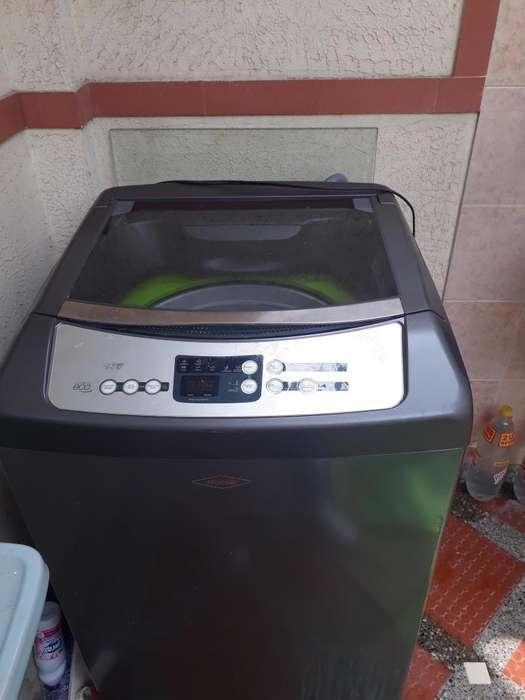 Por motivo de viaje se vende lavadora