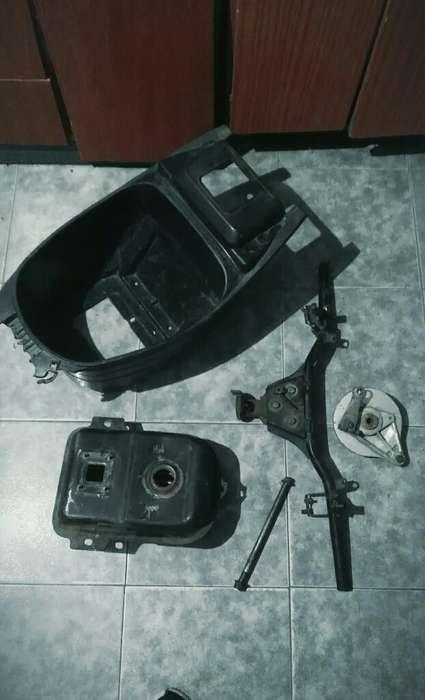 Partes Y Cachas de Moto 110