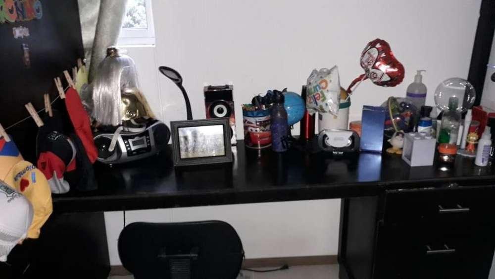 Camarote, <strong>escritorio</strong> y bibblioteca