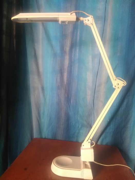 Lámpara de <strong>escritorio</strong> Flexible
