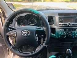 Toyota Hillux 4x4  2015 Diesel 31500