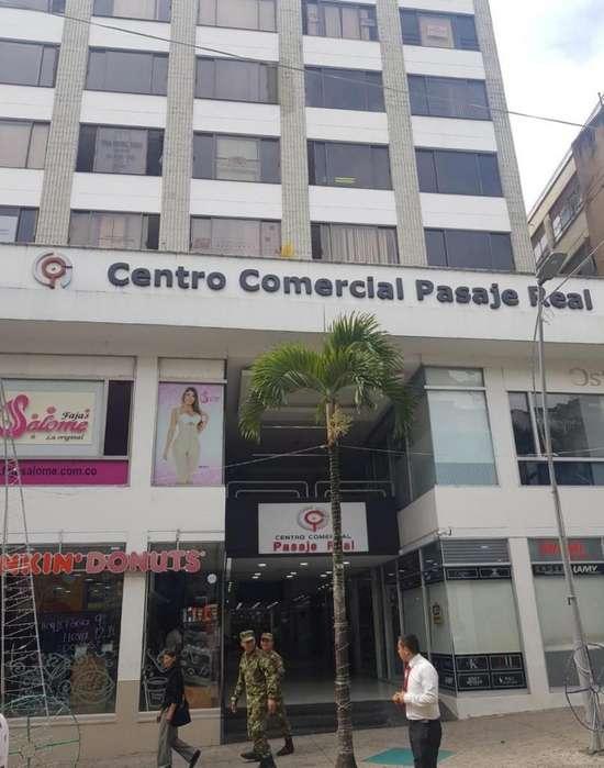 VENDO <strong>oficina</strong> EN CENTRO COMERCIAL PASAJE REAL