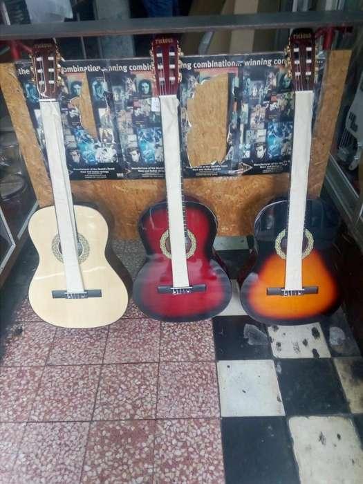 Vendo Guitarra Acústica Importada