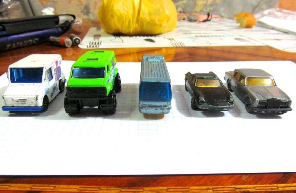 Carritos de metal marca Machtbox, Gorgi Juniors. Rolls Royce, Lotus, Mail Post, Chevy Van, Bus Ikarus