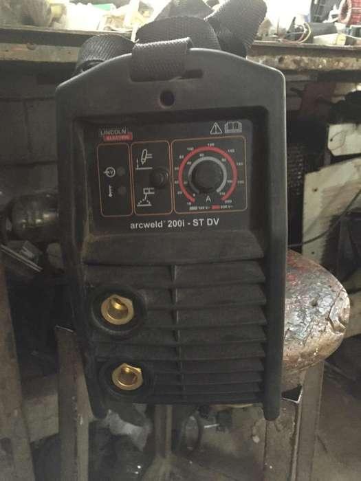 Vendo Maquina de Soldar Arcweld 200