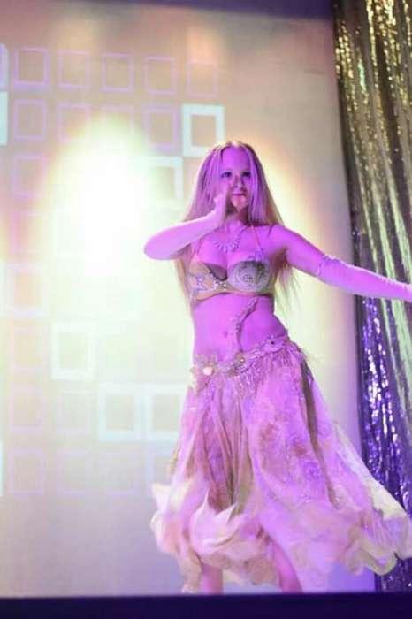 Bailarina Danzas Arabes