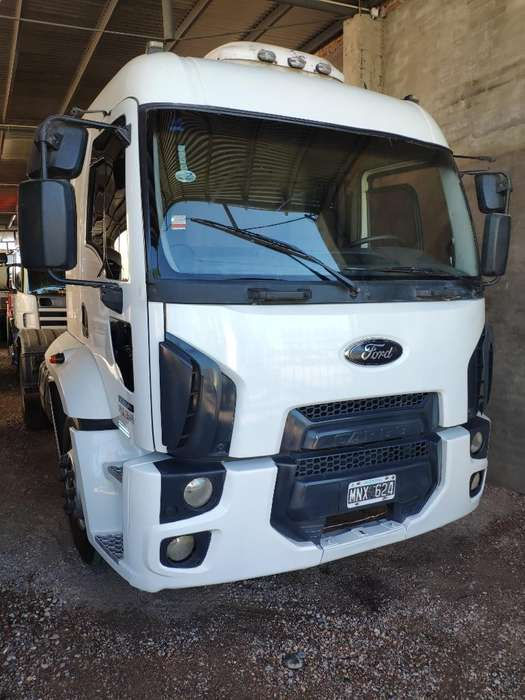 Vendo Ford Cargo 1932 Mod 2013